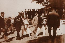 yuruyenkoskyalova Yürüyen Köşk | Atatürkten Bir Çevre Dersi ataturkun resimleri ve fotograflari